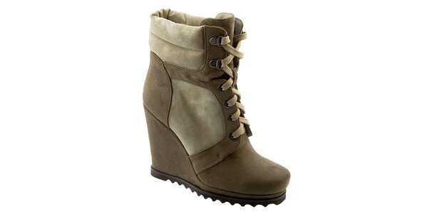 a6067a0cf2a9 Dámske béžové členkové topánky na platforme so šnurovaním Betsy