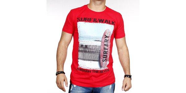 Pánske červené tričko so surfom Pontto