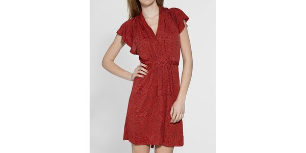 Dámske červené šaty French Connection s čiernou potlačou