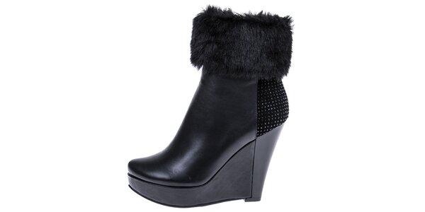 Dámske čierne členkové topánky s kožúškom a kamienkami 1to3