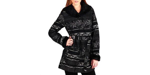 Dámsky čierny kabátik s kvetinovým vzorom a golierom Gémo