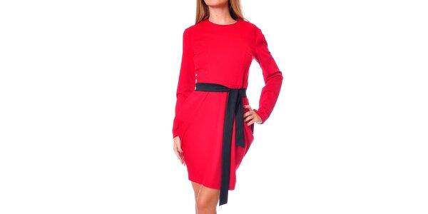 Dámske červené šaty s tulipánovou sukňou Avangard