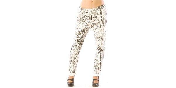 Dámske biele nohavice so vzorom Silvana Cirri