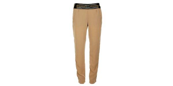 Dámske béžové nohavice Victoria Look so zlatými zipsami