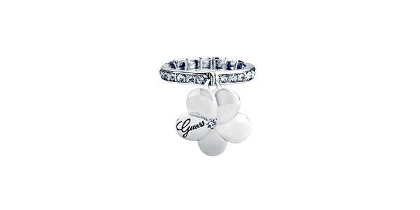 Dámsky prstienok s príveskom kvetinky Guess