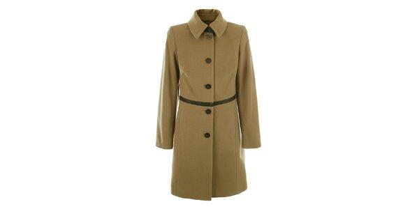 Dámsky svetlo hnedý kabát na gombíky inAvati