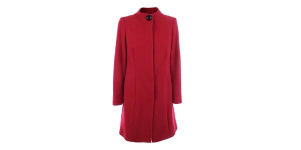 Dámsky červený kabát so zapínaním na druky inAvati