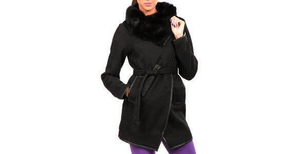 Dámsky čierny kabát s kožušinkou Isabel Queen