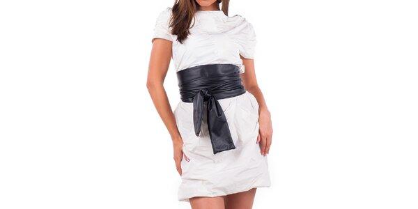 Dámske krémové šaty s čiernym opaskom Nelita