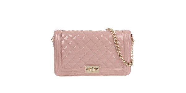 Dámska lesklá prešívaná kabelka v ružovej farbe Gessy