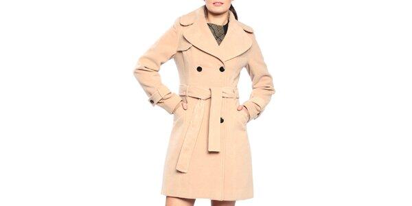 Dámsky dvojradový kabát v pieskovom odtieni Vera Ravenna 388131b80fa