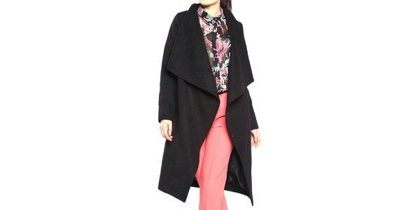 Dámsky čierny kabát so zapínaním na cvok Vera Ravenna