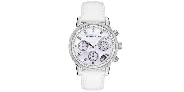 Dámske oceľové hodinky s bielym koženým remienkom Michael Kors