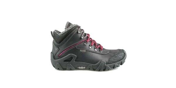 Dámske čierne zimné topánky s červenými šnúrkami Numero Uno