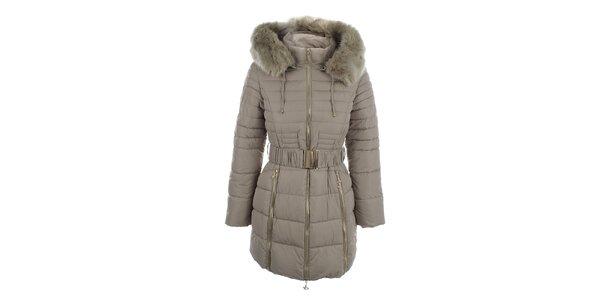 Dámsky béžový kabát s opaskom a kožúškom Foglie Rosse