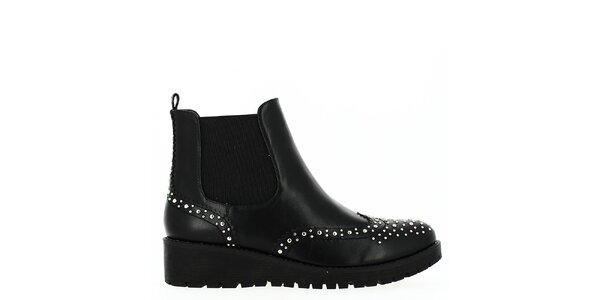 Dámske čierne topánky s cvočkami Shoes and the City