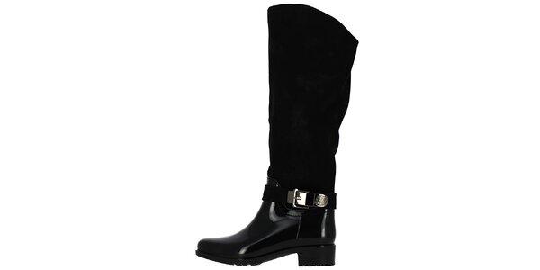 Dámske čierne čižmy s dekoratívnou prackou Shoes and the City