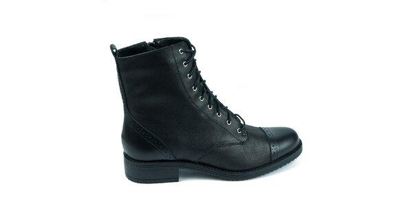 Dámske čierne topánky s ozdobnou perforáciou Moda Italiana