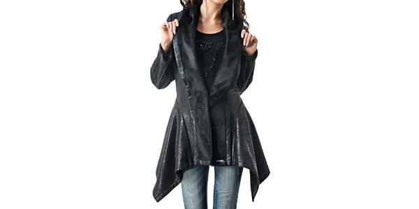 Dámsky zúžený čierny kabátik Female Fashion