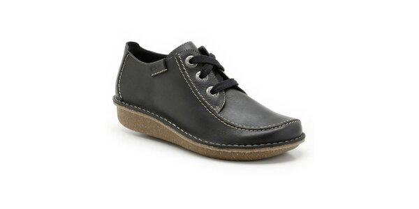 Dámske tmavomodré prešívané topánky na zaväzovanie Clarks