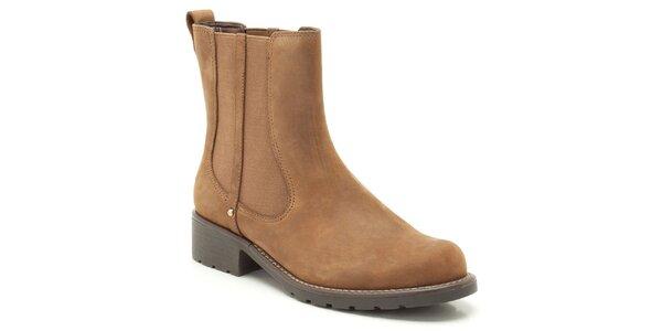Dámske hnedé členkové topánky s elastickou vsadkou Clarks
