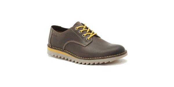 Pánske tmavo hnedé zaväzovacie topánky Clarks