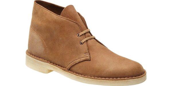 Štýlové pánske členkové topánky Clarks v ťavej farbe