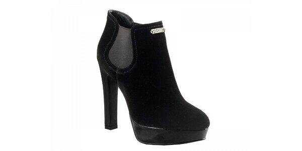 Čierne semišové topánky na podpätku
