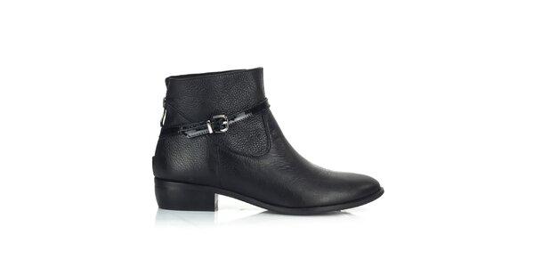 Dámske kožené čierne topánky s remienkom Joana and Paola