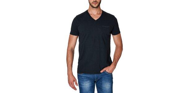 Pánske čierne tričko s véčkovým výstrihom Paul Stragas