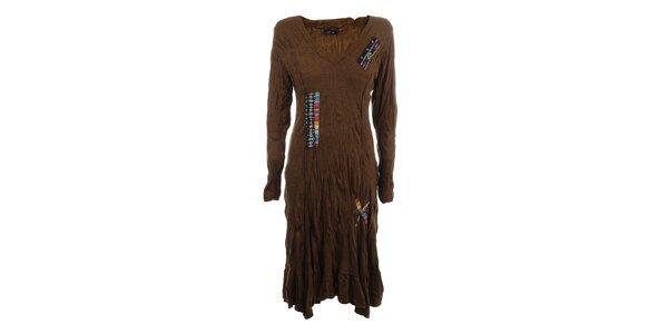 Dámske hnedé krčené šaty s farebnými výšivkami Dislay DY Design