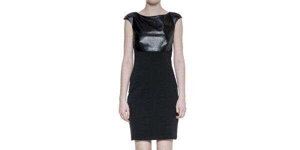 Dámske čierne šaty s koženkovým dekoltom Gene