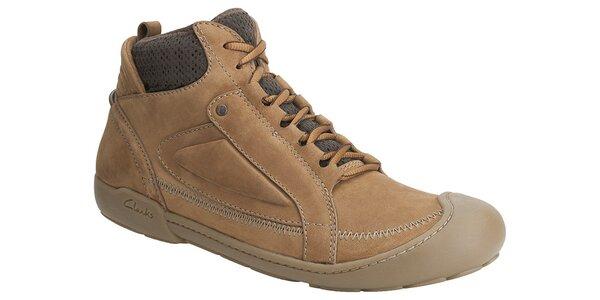 ... kvalitné kožené topánky z Anglicka. Táto kampaň už skončila. Pánske  svetlo hnedé kotníkové tenisky Clarks 5cfc6586280