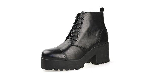 Dámske čierne členkové topánky so šnurovaním Bullboxer