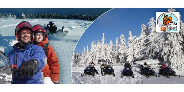 Vzrúšo na snežných skútroch v Slovenskom raji