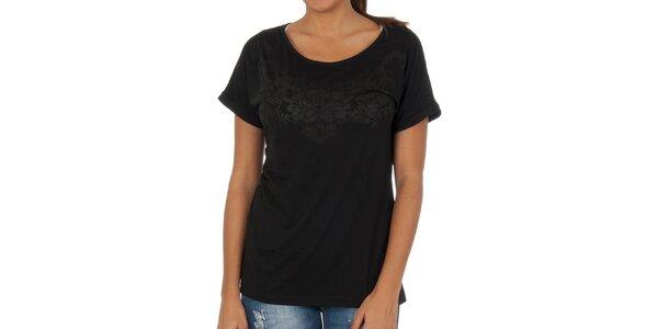 Dámske čierne tričko s elegantnou potlačou Vila Clothes