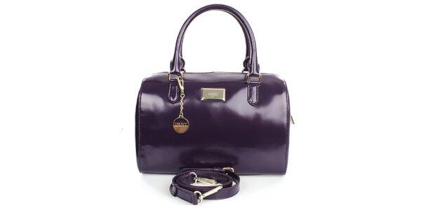 Dámska fialová kabelka s príveskom a zipsom v zlatom tóne DKNY