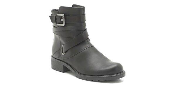 Dámske kožené čierne topánky s prackami Clarks