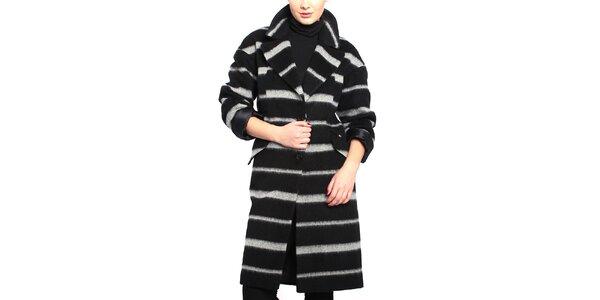 Dámsky čierno-biely pruhovaný kabát Vera Ravenna