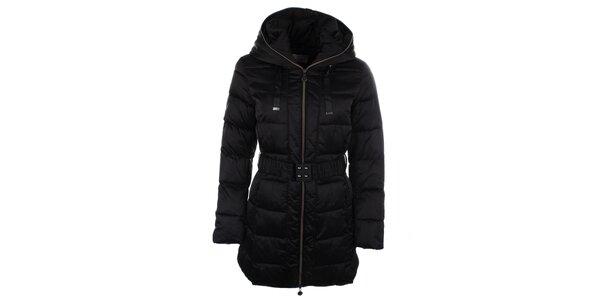 Dámsky čierny kabátik s kapucňou Fly Moda
