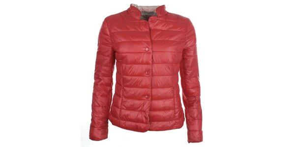 Dámska červená bunda s cvokmi DJ85°C