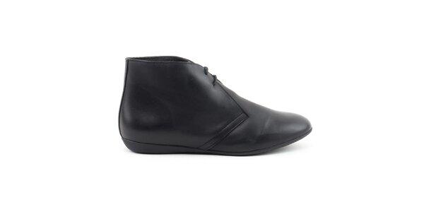 Dámske čierne členkové topánky so šnúrkou Daneris