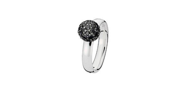 Dámsky prsteň s čiernou guličkou Spinning
