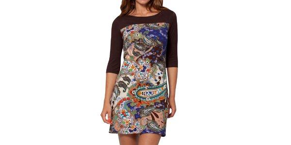 Dámske farebne vzorované šaty s hnedými rukávmi Peace&Love