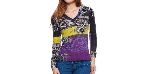 Dámske farebné tričko s kvetinovou potlačou Peace&Love