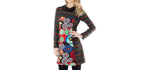 Dámske pruhované šaty s farebným vzorom First