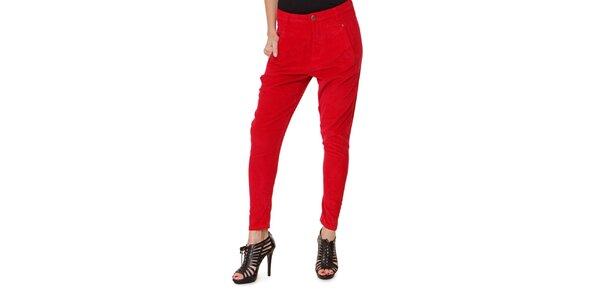 Dámske červené menčestrové nohavice Fiveunits