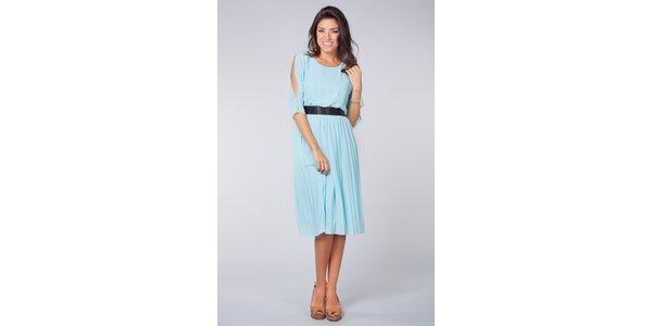 Dámske svetlo modré šaty Blue Velvet s čiernou saténovou mašľou