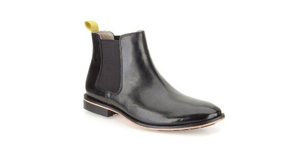 Pánske čierne kožené lakované topánky Clarks