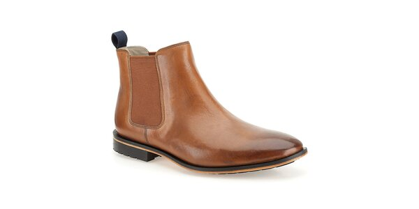 Pánske hnedé kožené lakované topánky Clarks
